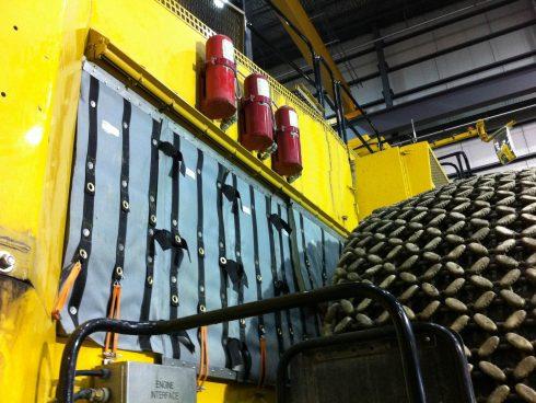 Couverture acoustique pour machinerie et transport