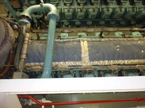 Insulating blanket for ship